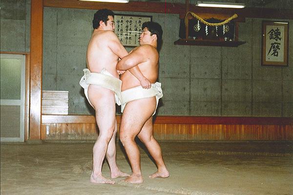 相撲 吊り落とし